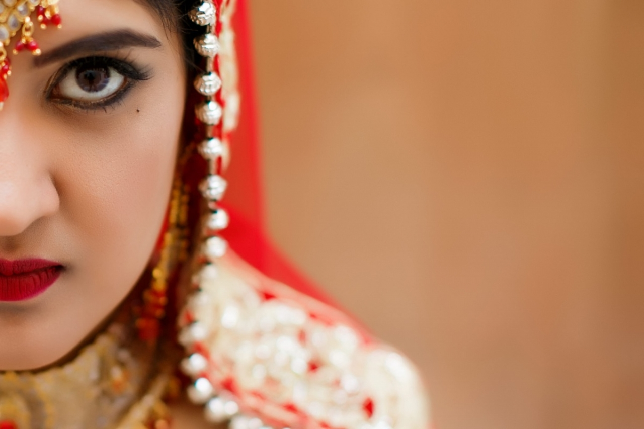 Simplicity, Purity & Candor = Red Color | Traditional Hindu Wedding in Santorini